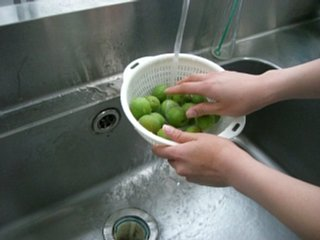 梅酒の造り方:梅洗い